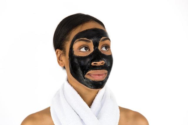 černá maska