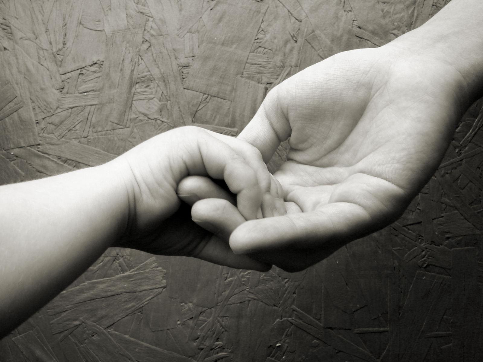 podání pomocné ruky